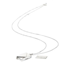 silver necklace jewellery photographer